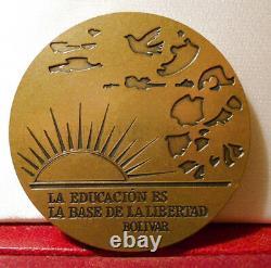 Rare Médaille D'art Bronze 59mm Simon Bolivar Venezuela Colombe Paix
